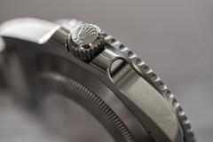 Hãng Rolex nổi tiếng với những sản phẩm phiên bản giới hạn hoặc chế tác riêng cho mỗi khách hàng (Nguồn ảnh: Shutterstock.com)