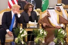 Hoàng gia Ả Rập tặng đồ giả cho cựu Tổng thống Donald Trump