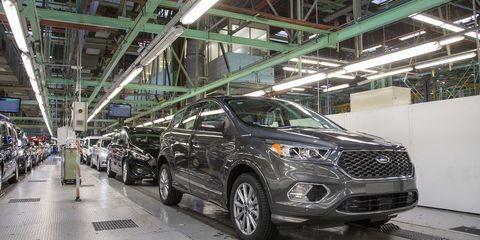 Ford phải đóng cửa nhà máy vì công nhân nhiễm Virus Corona