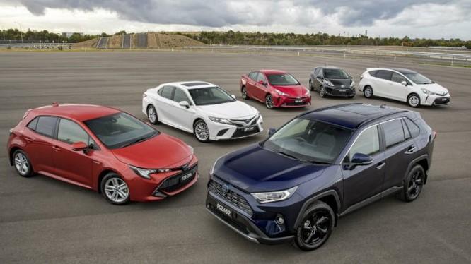 Toyota đã bán được 15 triệu xe hybrid trên toàn cầu