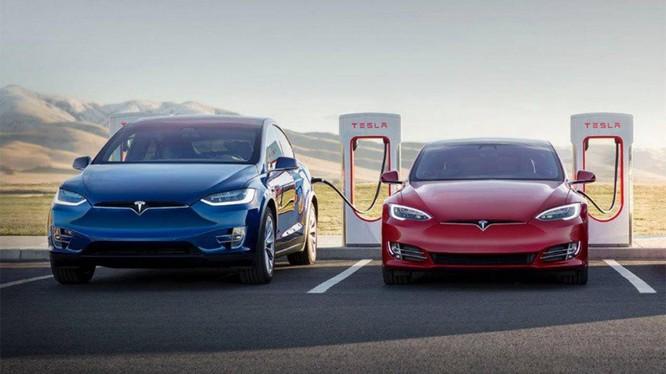 Mỹ mở rộng quy mô điều tra với gần 159.000 xe Tesla