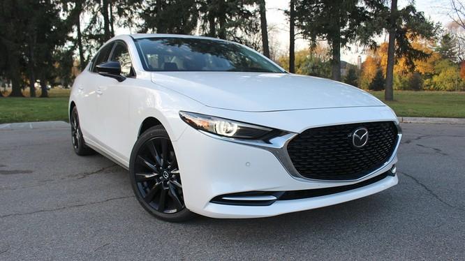 Mazda3 Turbo 2021 - giữ nguyên thiết kế, tăng trải nghiệm lái