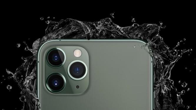 """Apple bị phạt 10 triệu Euro vì tính năng """"chống nước"""" của iPhone"""