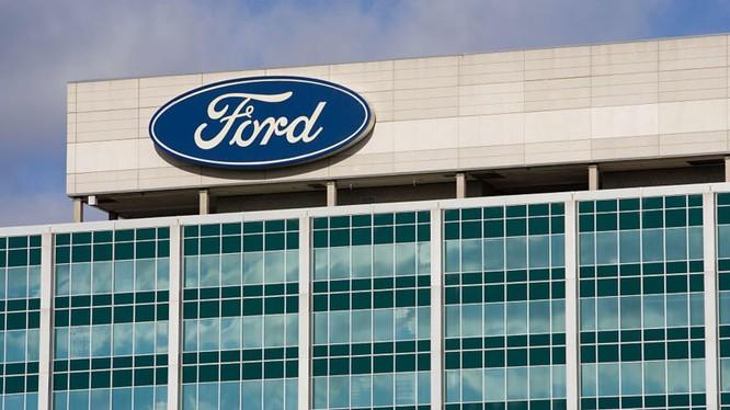 Đội ngũ thiết kế của Ford làm việc tại nhà thông qua công nghệ thực tế ảo