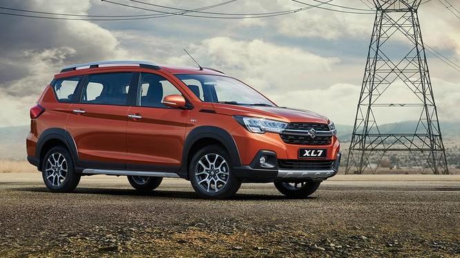 Doanh số Suzuki XL7 sụt giảm nghiêm trọng vì... không có xe để bán