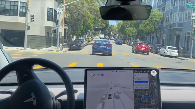 Tesla có thể cho phép các hãng xe khác sử dụng công nghệ tự lái của mình