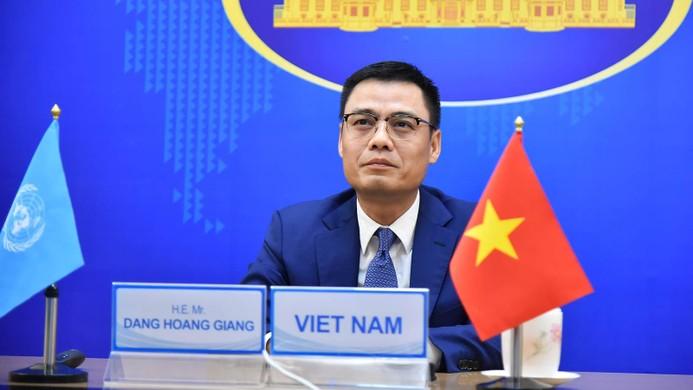 Thứ trưởng Bộ Ngoại giao Đặng Hoàng Giang tham dự và phát biểu tại Phiên thảo luận mở trực tuyến. Ảnh: BNG