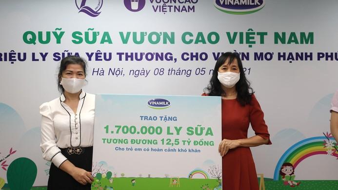 """Vinamilk góp 1 triệu ly sữa cho trẻ em khó khăn với """"Cùng góp điểm xanh, cho Việt Nam khoẻ mạnh"""""""