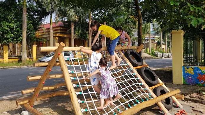 Thiết bị thể thao được lắp tại hai sân chơi ngoài trời trên địa bàn phường Hùng Vương