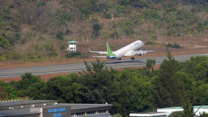 Du lịch Côn Đảo: Máy bay kín chỗ, khách sạn kín phòng