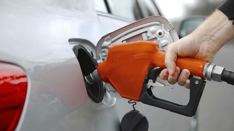 Những lưu ý khi đổ nhiên liệu cho ô tô