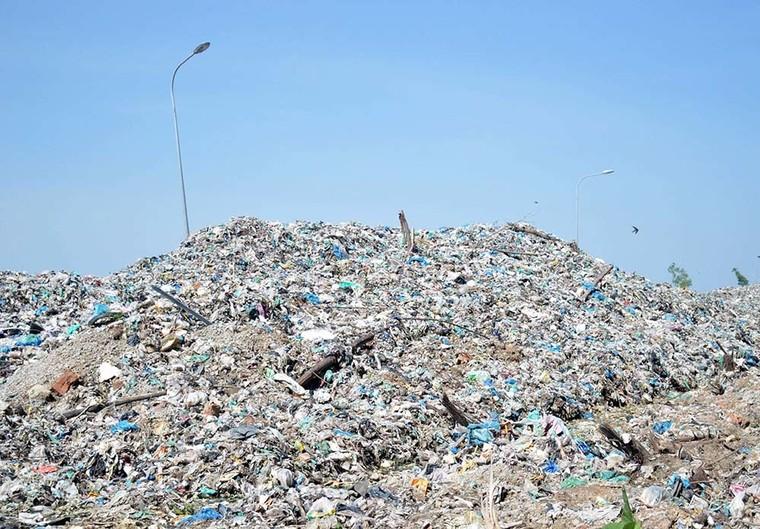 300 thai nhi bị bỏ theo rác ở Cà Mau: Đựng trong bọc đen, không nguyên vẹn ảnh 1