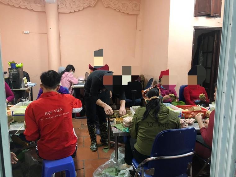 Thực phẩm Bếp Hoa: Xưởng sản xuất nhếch nhác, nghi vấn không có kiểm định ATTP ảnh 4
