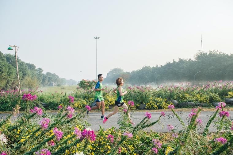 Ecopark Marathon 2021 - Ngắm cung đường chạy giữa thiên nhiên 'siêu chất' trước giờ G ảnh 2