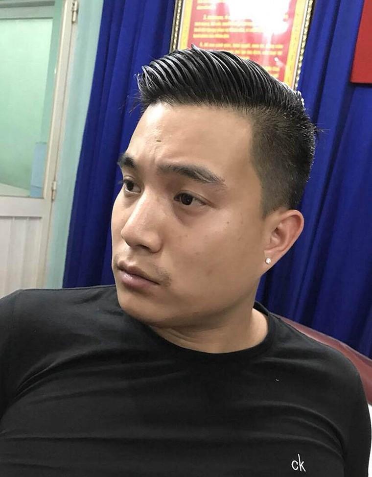 Việt kiều 9X cầm đầu đường dây 'khủng', chế biến 20 ngàn viên ma túy/đêm ảnh 1