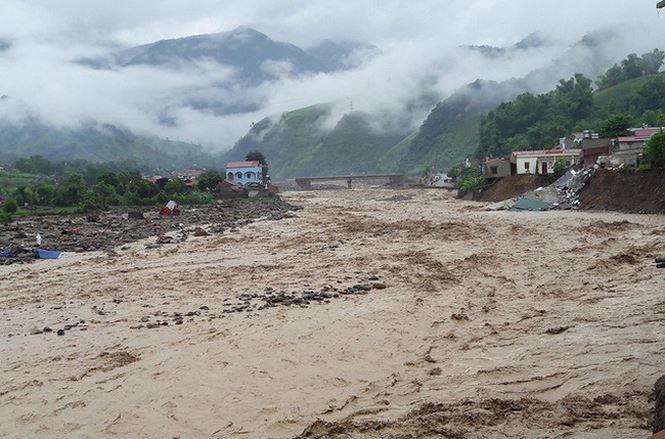 Lên phương án chống ngập lụt cho Hà Nội trước bão số 4 ảnh 1