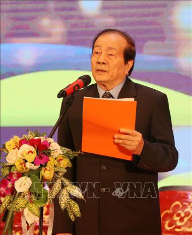 Gần 200 nhà thơ, nhà văn, dịch giả nổi tiếng thế giới tham dự 'Đêm thơ quốc tế Hạ Long' ảnh 1