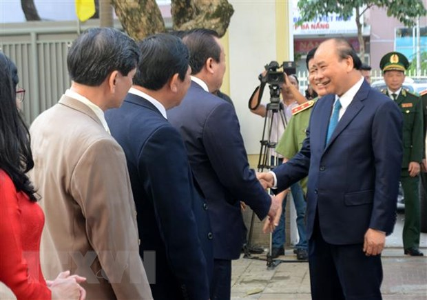 Thủ tướng Nguyễn Xuân Phúc chúc Tết các đơn vị tại Đà Nẵng ảnh 2