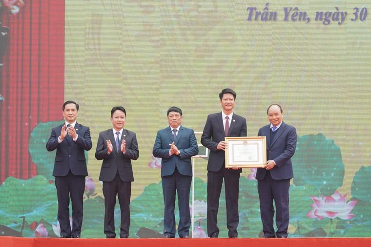 Thủ tướng trao danh hiệu 'Huyện nông thôn mới' đầu tiên vùng Tây Bắc ảnh 3