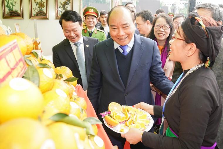 Thủ tướng trao danh hiệu 'Huyện nông thôn mới' đầu tiên vùng Tây Bắc ảnh 4