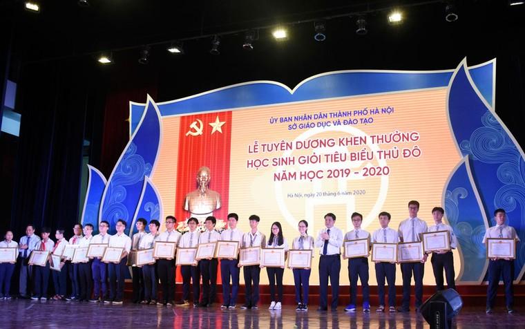 Hà Nội tuyên dương 509 học sinh giỏi tiêu biểu ảnh 3