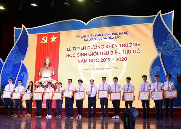 Hà Nội tuyên dương 509 học sinh giỏi tiêu biểu ảnh 2