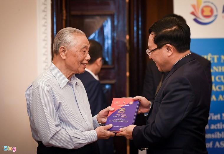 Ra mắt sách kỷ niệm 25 năm Việt Nam tham gia ASEAN ảnh 5