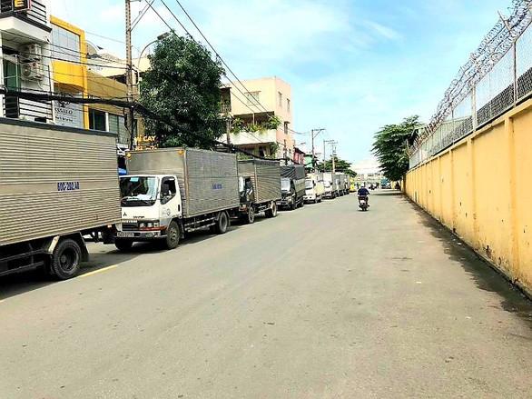 Bị 'bít' đường vào kho hàng Tân Sơn Nhất, doanh nghiệp logistics TP HCM kêu cứu ảnh 1