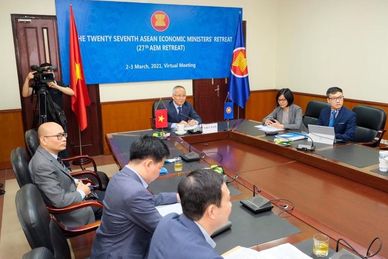 Các Bộ trưởng Kinh tế ASEAN thảo luận các vấn đề phục hồi kinh tế sau đại dịch COVID-19 ảnh 3