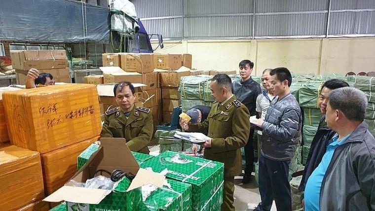 Lạng Sơn: Xử phạt, truy thu 150 triệu đồng đối với cơ sở kinh doanh hàng lậu ảnh 1