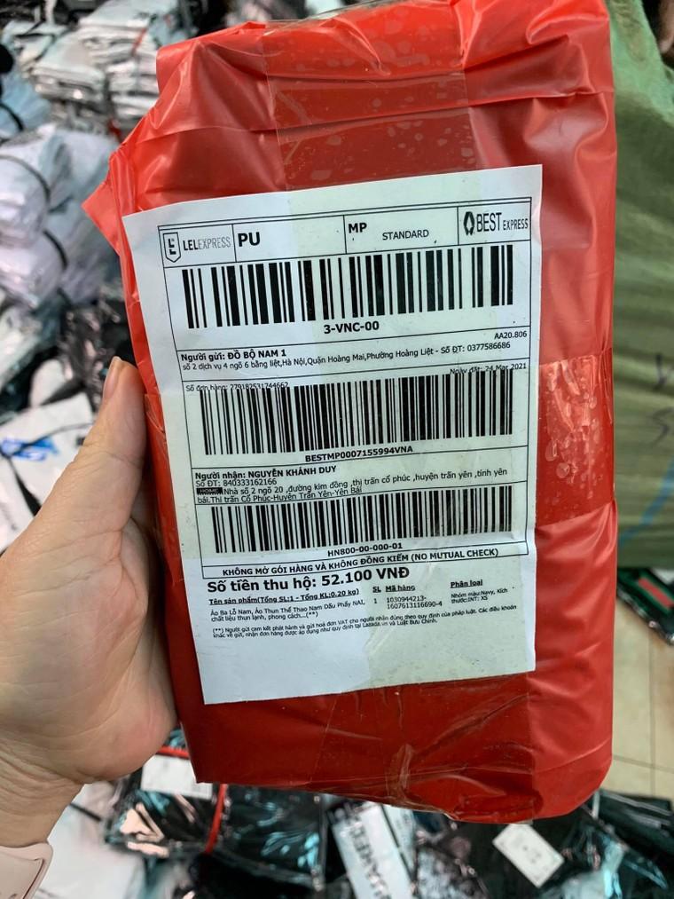 Hà Nội: Triệt phá kho hàng chứa hàng ngàn sản phẩm giả các nhãn hiệu LV, Gucci, Nike ảnh 6