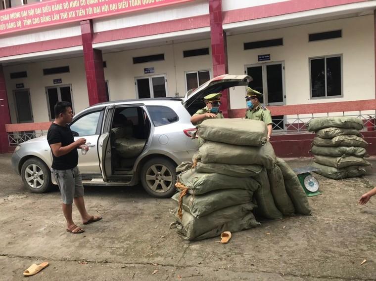 Cao Bằng: Thu giữ 579kg nguyên liệu thuốc lá không rõ nguồn gốc xuất xứ ảnh 1
