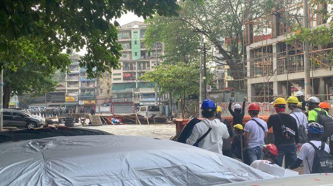 Biểu tình tại Myanmar: Thêm 9 người thiệt mạng do cảnh sát nổ súng ảnh 1