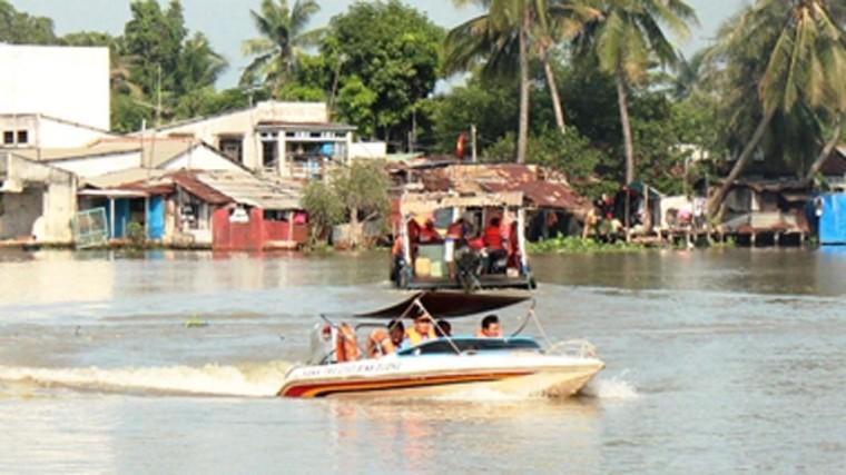 Bình Dương: Đình chỉ công tác 3 cảnh sát liên quan tới vụ 'làm luật' trên sông Đồng Nai ảnh 1