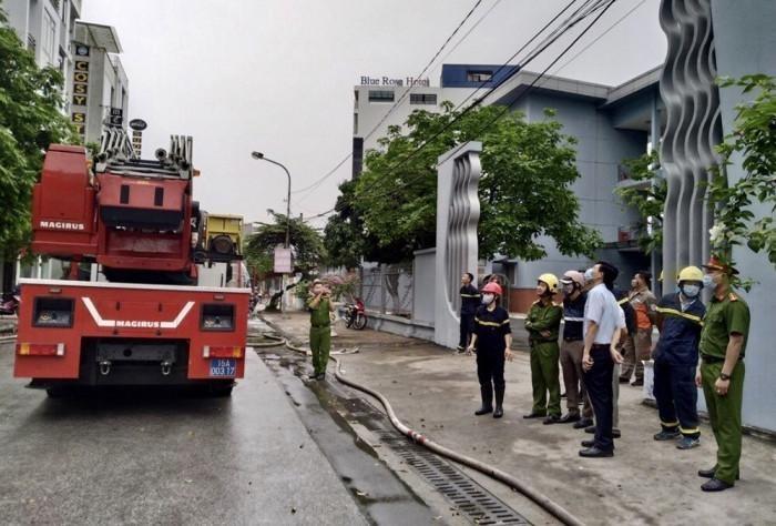 Hải Phòng: Kịp thời cứu 5 người thoát khỏi đám cháy ảnh 1