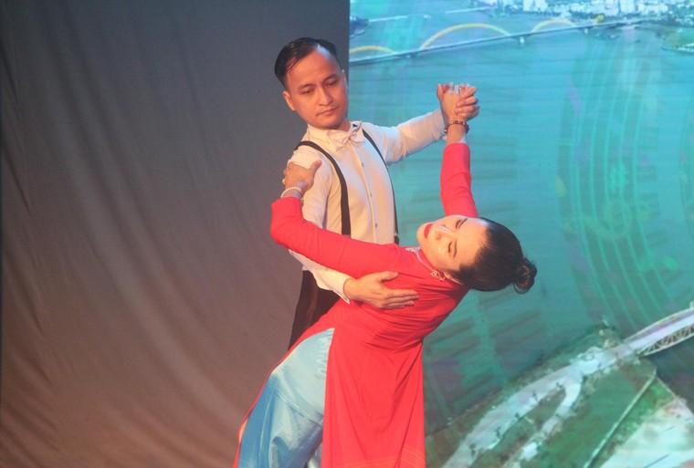 Xoá mọi khoảng cách với giải dancesport cho người khiếm thị đầu tiên tại Việt Nam ảnh 4