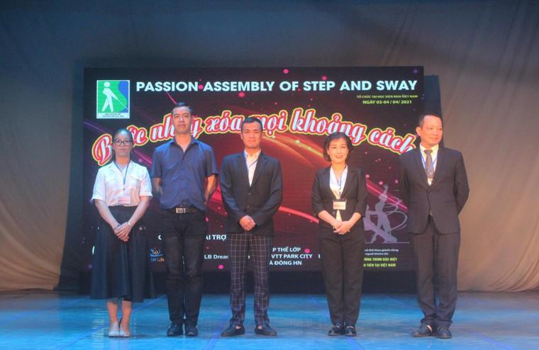 Xoá mọi khoảng cách với giải dancesport cho người khiếm thị đầu tiên tại Việt Nam ảnh 2