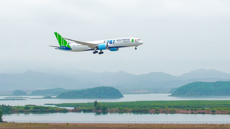 Bamboo Airways tặng vé tất cả tổ chức, cá nhân hoạt động thiện nguyện hỗ trợ đồng bào bị lũ lụt miền Trung ảnh 1
