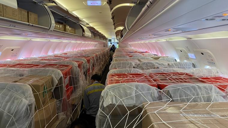 Bamboo Airways khai thác chuyến bay charter chở hàng cứu trợ đồng bào miền Trung ảnh 3