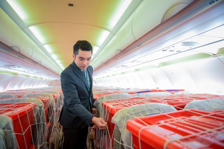 Bamboo Airways khai thác chuyến bay charter chở hàng cứu trợ đồng bào miền Trung ảnh 4