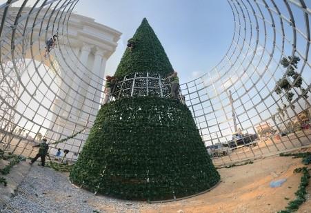 Giáng sinh ấm áp với 'Lễ hội thắp sáng cây thông Noel' tại Danko City ảnh 1