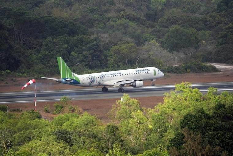Du lịch Côn Đảo: Máy bay kín chỗ, khách sạn kín phòng ảnh 1