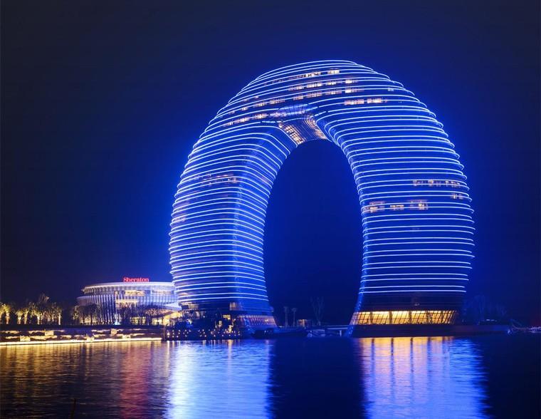 Những khách sạn có '1-0-2' trên thế giới ảnh 3