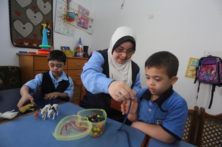 Lớp học đặc biệt tại chảo lửa Gaza ảnh 1