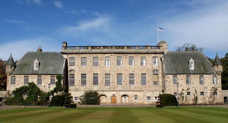 Trường Gordonstoun - Ngôi trường 'Hoàng gia' với những đột phá tiên phong ảnh 3