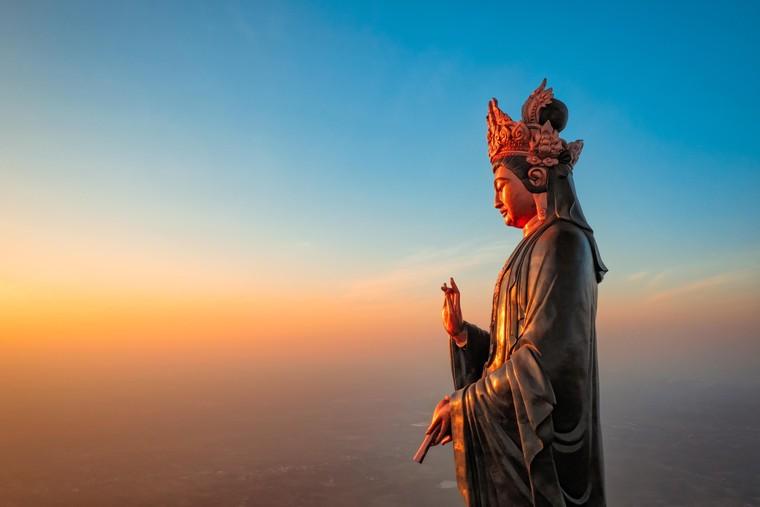 Những 'mật mã' trong bức tượng Phật Bà bằng đồng cao nhất châu Á trên đỉnh Bà Đen ảnh 1