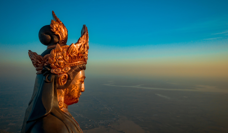 Những 'mật mã' trong bức tượng Phật Bà bằng đồng cao nhất châu Á trên đỉnh Bà Đen ảnh 2