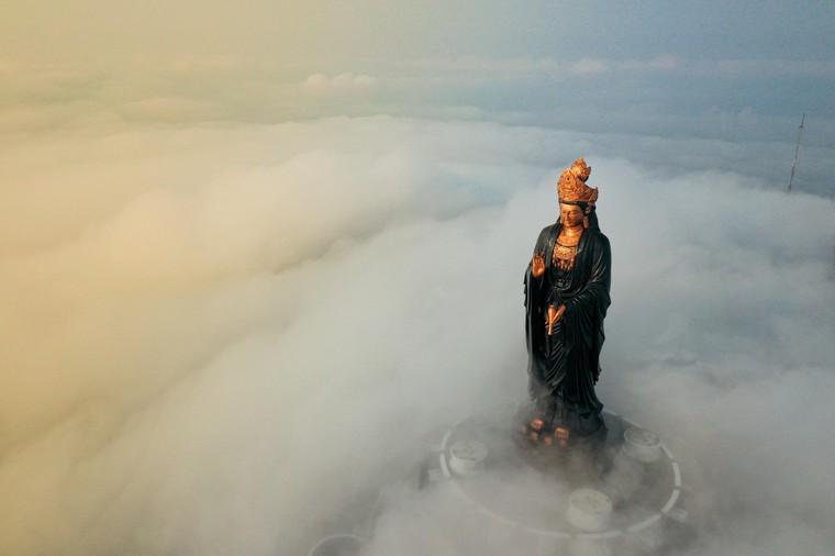Những 'mật mã' trong bức tượng Phật Bà bằng đồng cao nhất châu Á trên đỉnh Bà Đen ảnh 4