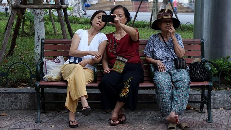 """20 năm Internet """"gõ cửa"""" Việt Nam ảnh 1"""