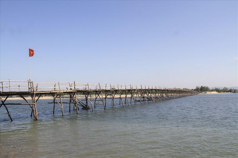 Phú Yên: Cây cầu gỗ dài nhất Việt Nam ảnh 2
